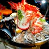 seafood tower รวมมิตรอาหารทะเล