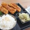Crispy Fish&Japanese Onion With Rice (เซทข้าว กับ เนื้อปลาดอรี่ทอดกรอบ)