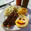 สเต็กไส้กรอกหมูกับไข่ดาว ,, น่ารักน่ากิน :)
