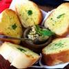 กุ้งสับอบเนยพร้อมขนมปังกระเทียม