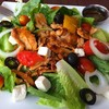 Greek Salad สลัดสไตล์กรีกร้าน The Kebabry