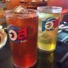 เครื่องดื่มแบบรีฟีล ชาเขียวและชามะนาวค่ะ