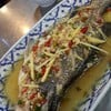 ปลากระพงนึ่งมะนาว (400 บาท)
