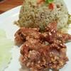 ข้าวผัดน้ำพริกหนุ่มหมูทอด (170 บาท)