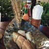 ขนมปังฟรี เสิร์ฟให้ทุกโต๊ะ
