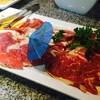 เนื้อหลายอย่างรวมกันและหมูคุโรบุตะ