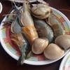 กุ้งไข่เต็มท้อง และหอยตลับใหญ่ๆ
