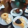 ช๊อคโกแลตมูส , พายแอปเปิ้ล , บลูเบอร์รี่ชีสเค้ก