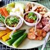 น้ำพริกหนุ่มออกรสเผ็ดทานคู่กับแคปหมูอร่อยเหาะ น้ำพริกอ่องสีแดงสดหวานหมูสับ