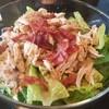 ซีซ่าสลัด/Caesar salad : ชามใหญ่ ผักแน่น เนื้อเยอะ ปลื้มปริ่มกันไปจ๊ะ