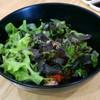 อร่อย แนะนำ น้ำสลัดเข้ากับผักและปลาดิบได้ดี