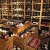 จุดเด่นของร้านนี้ก็คือมีไวน์ให้เลือกหลากหลายครับ