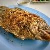 ปลาแรดทอดกระเทียม