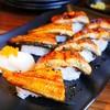 ซูชิที่นี่คุณภาพดีมาก ใช้ข้าวญี่ปุ่นชั้นดีเม็ดเหนียวนุ่ม ปรุงรสมาอร่อย