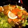 ยำปลาแซลมอล - รสชาติแซ่บดี แต่น้ำจากเนื้อปลาออกเยอะไปนิดนึง และผักน้อยไปนิด