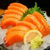 เนื้อปลาแซลมอนชิ้นหนา อร่อยเต็มปากทุกคำ