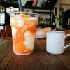 เทชาไทยลงไปก่อนดื่ม