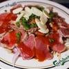 เนื้อย่างแบบเบาๆให้ข้างในยังแดง น้ำซอสแบบญี่ปุ่น ไม่เผ็ด อร่อยดีค่ะ เนื้อนุ่ม