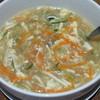 รสชาติเผ็ดร้อนพริกไทย อร่อย คล่องคอ มีรสอมเปรี้ยวๆ ของผักดอง ใส่เต้าหู้ เห็ดเข็ม
