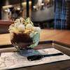 ไอศกรีมชาเขียว เสิร์ฟคู่โมจิ/วิปครีม/ถั่วแดง/เจลลี่บุก อร่อยดีแต่หวานไปสำหรับเรา