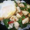 ข้าวกระเพราปูไข่ดาว