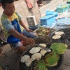 ขนมจีนปิ้ง ตลาดนัดลานสัก