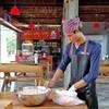 ลูกชิ้นหมู ทางร้านครัวหมูหมูผลิตเอง ปั้นมือ ใช้เนื้อหมูส่วนสะโพกเท่านั้น มีความต
