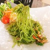ผักบุ้งกรีดเป็นเส้นยาวผัดกับซอสปรุงพิเศษของทางร้าน  กับข้าวสวยร้อนๆก็อร่อย