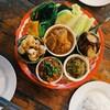 น้ำพริกอ๋องจืดไปหน่อย,แกงฮังเล เปนหมูสามชั้น ส่วนใหญ่จะเปนมันหมู แต่รสชาตอร่อยดี
