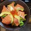 แนะนำให้สั่งครับ ปลาและผักสด น้ำสลัดแบบใสอร่อยมากก ราคาไม่แพงเช่นกัน