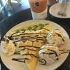 เครปเย็นอร่อย วิปครีมหอมนุ่มกับไอศครีมหวานเย็นตัดรสด้วยผลไม้รสเปรี้ยว ชาไทยเย็นช
