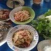 ปลาเผาอร่อยมาก ส้มตำแซ่บดีค่ะ ส่วนตัวยกให้ตำไทยค่ะ เปรี้ยวหวานชอบมากค่ะ