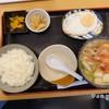 ¥700ชุดข้าวสวย พร้อมซุปกุ้งใส่เต้าหู้ มีไข่ดาวและกิมจิ