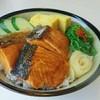 ข้าวหน้าปลาแซลมอนย่าง