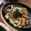 ยากิโซบะไก่ ที่มีไก่เนื้อนุ่มและหอมมาก