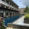 สระว่ายน้ำหน้าห้องทุกตึก
