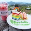 อันนี้เค้กคือเค้กRainbow กับเครื่องดื่มคือ Mix Berry