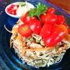 ลองชิมอาหารพม่าครั้งแรกด้วยสลัดใบชาพม่า