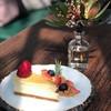 ชีสเค้กสไตล์นิวยอร์ครสชาติต้นตำหรับ ทานคู่ผลไม้สดและครัมเบิ้ลหอมๆ