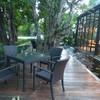 นั่งทานอาหารมื้อเย็น แบบชิลล์ ในบรรยากาศสวนสวย