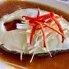 ปลาหิมะนึ่งซีอิ๊ว ที่ ร้านอาหาร สนั่นอาหารทะเล