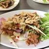 รสชาติดี มีกระเพาะปลากรอ หมูหวาน ปลาหมึกแห้งมอด น้ำยำรสชาติจัดจ้าน