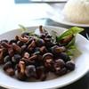 เป็นเห็ดหอมต้นเล็กๆ รสชาติหอมๆหวานๆ ก้านเห็ดหอมเหนียวหนึบหนับ เคี้ยวอร่อย