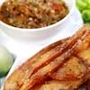มาถึงแหล่งผักสด และเมืองปลาน้ำจืด ต้องทานน้ำพริกกับปลาทอดค่ะ รสแซ่บ ผักหวานมาก
