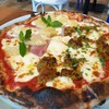 pizza hawaiian & ไส้อั่ว