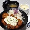 ไก่คาราเกะ ชิ้นโต ทอดกรอบกำลังดีกับซอสนัมบัง อร่อยเข้ากัน