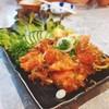 แซลมอนกรุบๆขนาดพอดีคำ กับยำรสชาติแบบญี่ปุ่น
