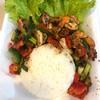 กุ้งผัดพริกไทยดำราดข้าว 150 บาท