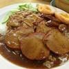ข้าวหมูแดง+หมูกรอบ+กุนเชียง(พิเศษ)ใส่ไข่