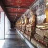 พระพุทธรูปรอบๆกำแพงวิหาร
